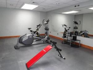 The fitness center and/or fitness facilities at Hotel Diego de Almagro Temuco