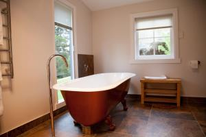 A bathroom at The Pear Cottage