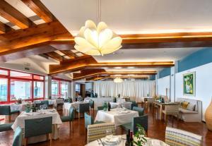 En restaurang eller annat matställe på Parador de Nerja