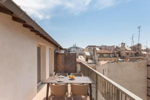 A balcony or terrace at Residhotel Vieux Port