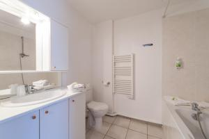A bathroom at Residhotel Vieux Port