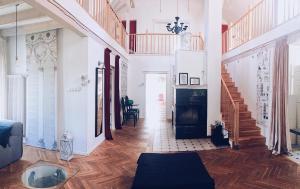 Telewizja i/lub zestaw kina domowego w obiekcie Casa Mia XIX-w Nadmorski Dom z ogrodem