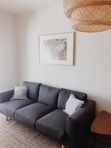 A seating area at Casa ao Cubo