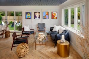 A seating area at Journey East Hampton