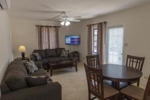 A seating area at Sandpiper Apartments