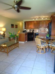 A kitchen or kitchenette at Aloha KAI - Resort Condo
