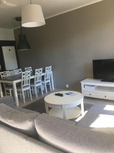 A seating area at Paljakka Villas