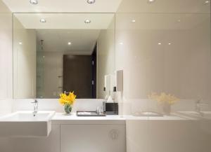 A bathroom at Travelodge Sukhumvit 11
