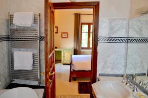 A bathroom at Castello Delle Serre
