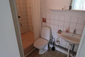 A bathroom at Hotel Aveny Bed & Breakfast