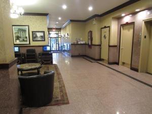 El vestíbulo o zona de recepción de Hotel Newton