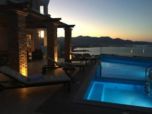The swimming pool at or close to Endless View Villa