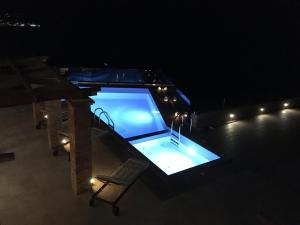 A view of the pool at Endless View Villa or nearby