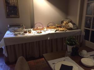 Een restaurant of ander eetgelegenheid bij Hotel Keravic