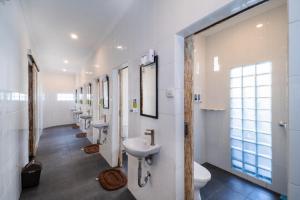 Ein Badezimmer in der Unterkunft Nyuh Gading Home Stay