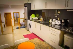 A kitchen or kitchenette at Casa da Vila