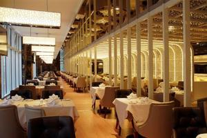 A restaurant or other place to eat at Central Hotel Shanghai