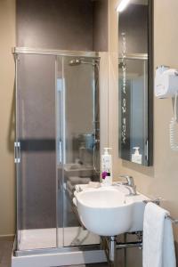 A bathroom at Hotel & Resort Le Colombare
