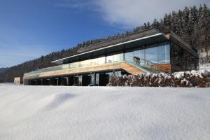 Landhotel Schönberghof & Gästehaus Enzinger during the winter