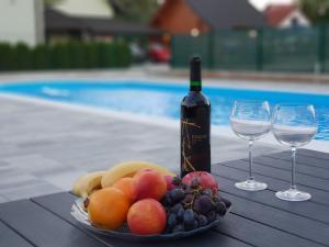 Het zwembad bij of vlak bij Pansion Villa Cancar
