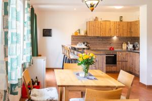 مطبخ أو مطبخ صغير في Almhaus Alpenrose