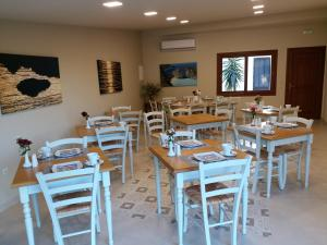A restaurant or other place to eat at Summer Wine Friendly Resort