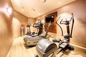The fitness center and/or fitness facilities at Leonardo Royal Hotel Ulm