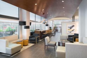 The lounge or bar area at Hampton Inn Philadelphia Center City-Convention Center