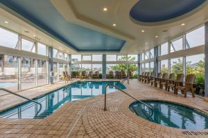 The swimming pool at or near Shutters on the Banks