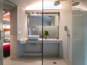 A bathroom at Casa Botticelli