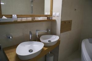 A bathroom at Hotel Metropol