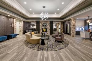 The lounge or bar area at Homewood Suites by Hilton Burlington
