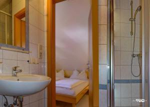 Koupelna v ubytování Villa Florl