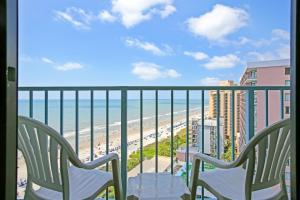 A balcony or terrace at Sand Dunes Resort & Suites