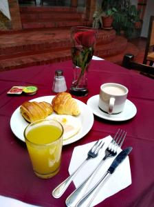 Breakfast options available to guests at Mongui Plaza Hotel