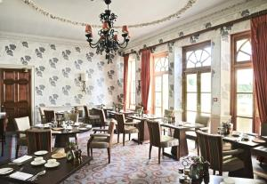 A restaurant or other place to eat at Lainston House