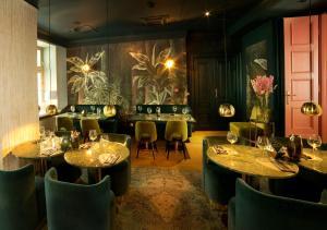 Restauracja lub miejsce do jedzenia w obiekcie H15 Boutique Hotel