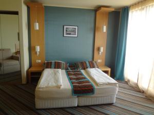Легло или легла в стая в Хотел Мираж