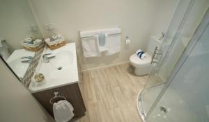 A bathroom at Bay Hideaway