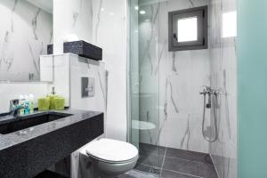 Ένα μπάνιο στο Nymphes Deluxe Accommodation Pefkohori