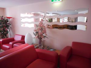 The lobby or reception area at Grunau Hotel