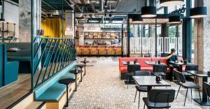 A restaurant or other place to eat at The Student Hotel Rotterdam