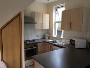 A kitchen or kitchenette at Mayview Guest House