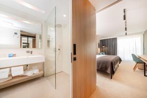 A bathroom at Hotel Park Plava Laguna