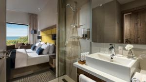 A bathroom at Hotel Sopot
