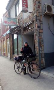 Vožnja bicikla kod ili u okolini objekta Hostel Olimpik
