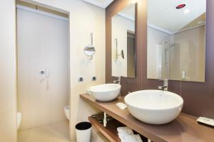 A bathroom at Be Live Collection Palace de Muro