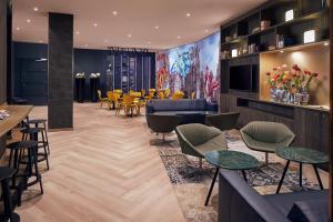 De lounge of bar bij Inntel Hotels Amsterdam Centre