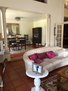 A seating area at Quinta Nova do Almeida