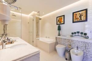 Koupelna v ubytování Royal Central Hotel The Palm